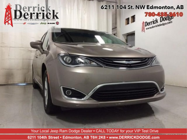 Pre-Owned 2018 Chrysler Pacifica Hybrid Hybrid Touring L