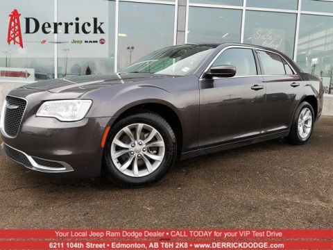 New 2018 Chrysler 300 300 Touring RWD