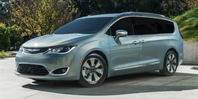 New 2018 Chrysler Pacifica Hybrid Limited 2WD